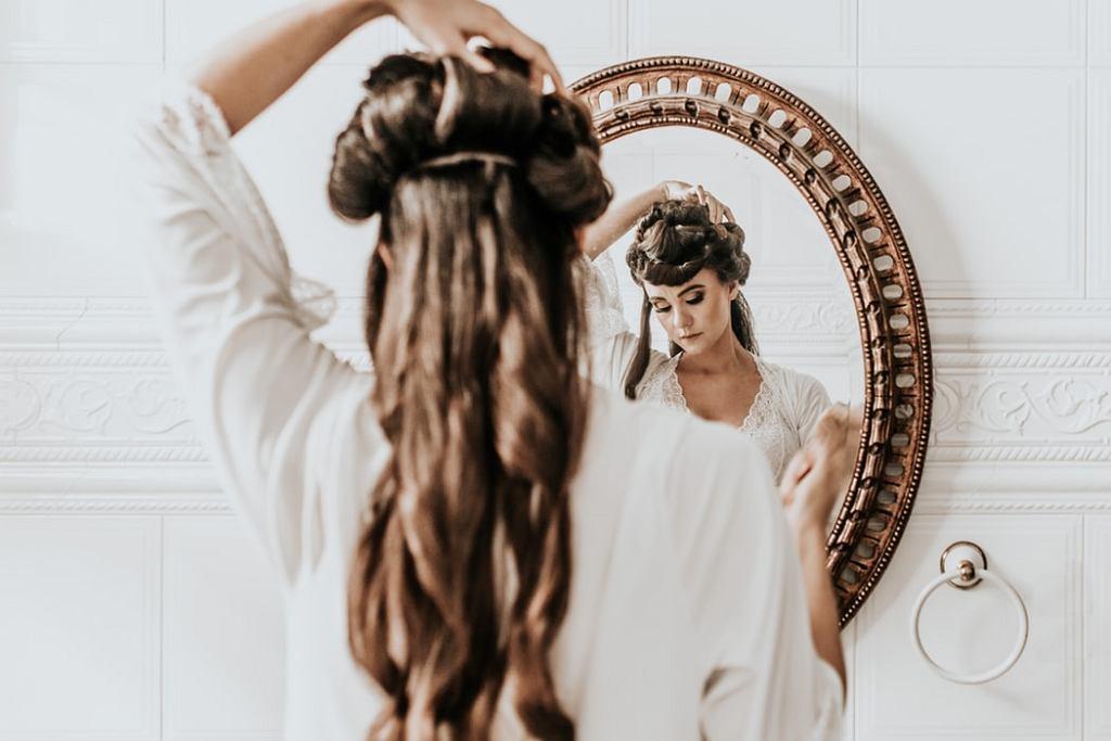 Jak pogrubić cienkie włosy?