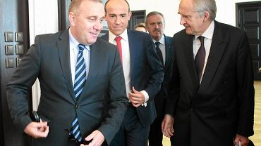 Grzegorz Schetyna i Borys Budka (z tyłu)