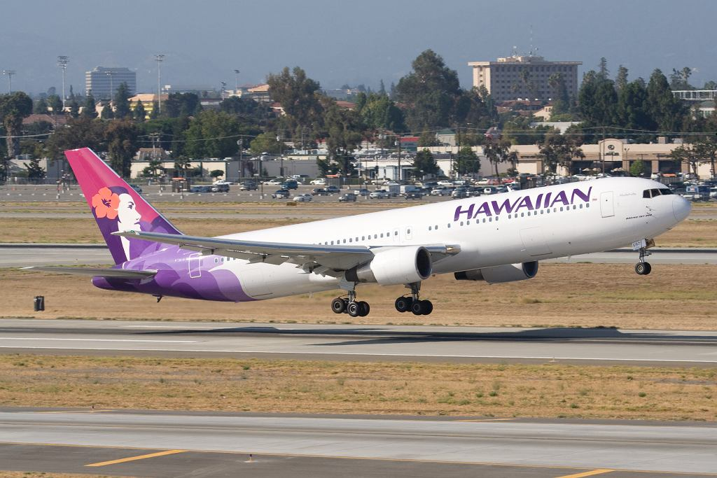 Hawaiian Airlines - Boeing 767-300