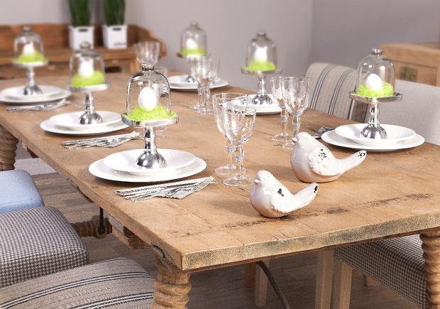 Rustykalna aranżacja stołu wielkanocnego