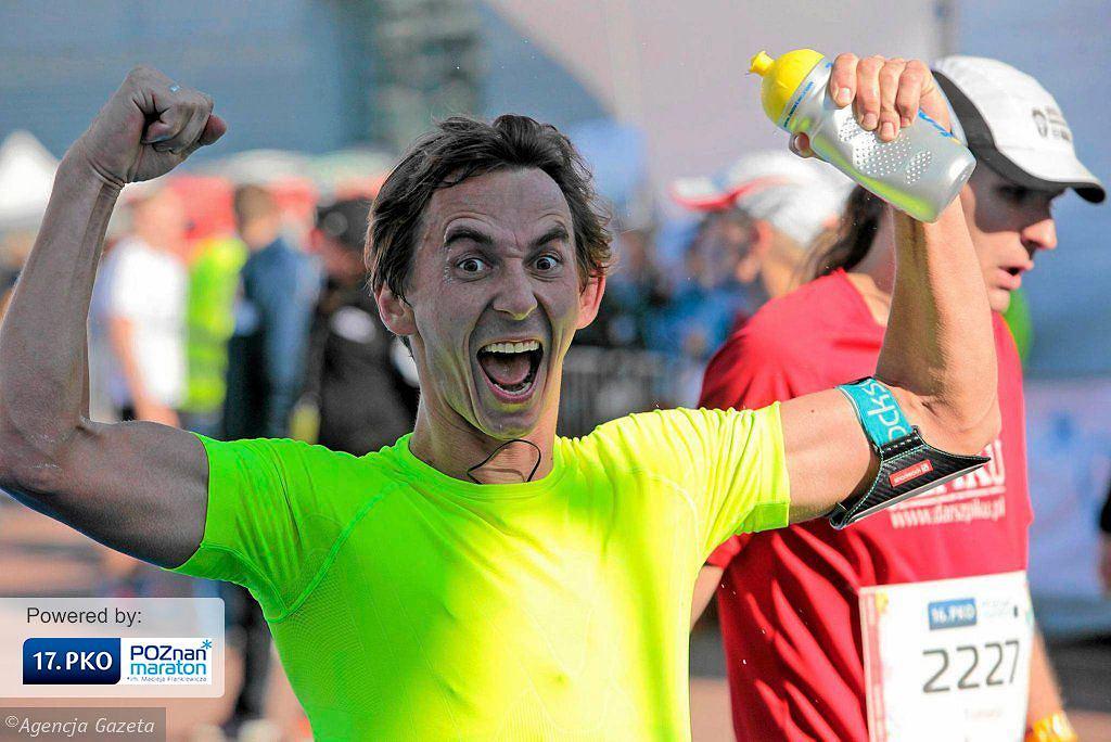 Poznań Maraton 2015 - biegacz na mecie (11 października 2015)