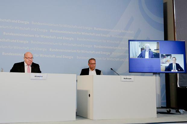 Niemcy inwestują w CureVac. Na zdjęciu od lewej Peter Altmaier, minister gospodarki Niemiec na konferencji w tej sprawie.