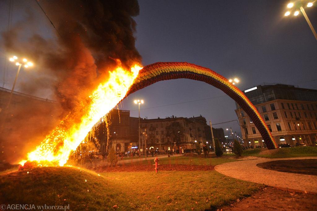 Marsz Narodowców. Płonąca tęcza.