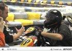 Poznajecie tego debiutującego kierowcę rajdowego?