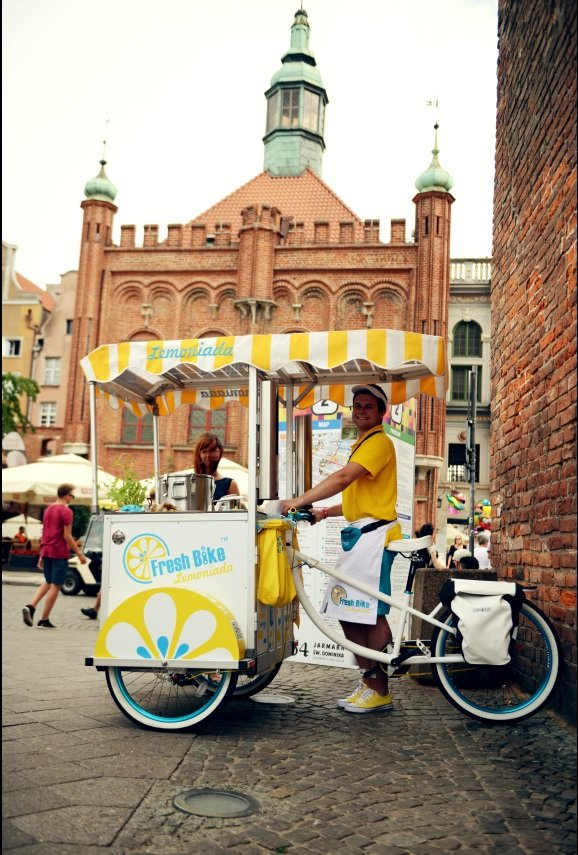 Rowery z lemoniadą Fresh Bike można spotkać w 15 miastach Polski / mat. prasowe
