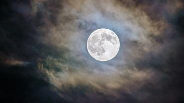 W piątek półcieniowe zaćmienie Księżyca. Zobaczymy je gołym okiem i to o dogodnej porze