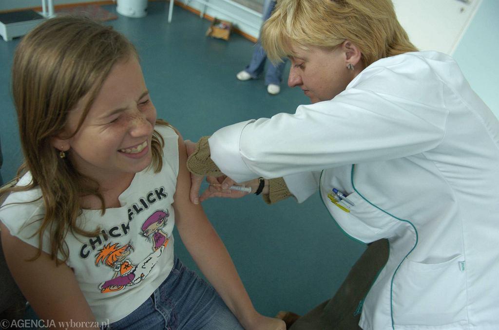 Sejmowe komisje odrzuciły projekt likwidujący obowiązkowe szczepienia