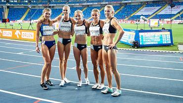 Kornelia Lesiewicz na wspólnym zdjęcia z gwiazdami biegu na 400 m