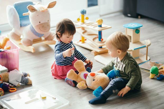 Ile zabawek i gadżetów potrzebuje dziecko. Lepiej przemyśleć zakupy