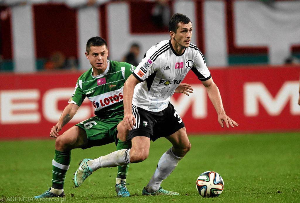 Legia - Lechia 1:0. Z lewej Ariel Borysiuk