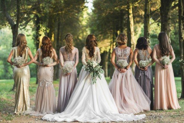 Inspirujące suknie ślubne. Przegląd trendów na nowy sezon
