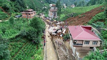 Turcja. Powodzie i osuwiska na północy kraju