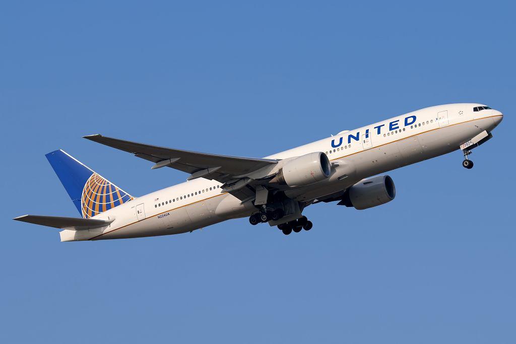 Pasażerka United Airlines samolotu zatrzasnęła się w kiblu