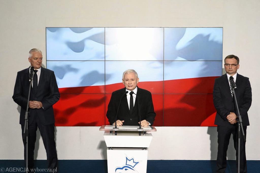 Koalicja rządowa, na zdjęciu od lewej: Jarosław Gowin, Jarosław Kaczyński i Zbigniew Ziobro
