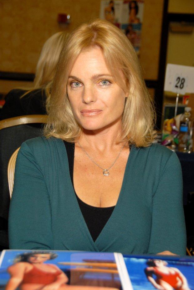 Erika Eleniak w 2011 roku
