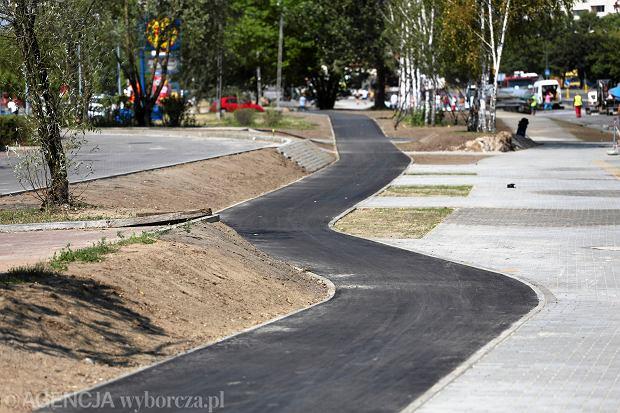 Budowa sciezki rowerowej na ulicy Pileckiego w Warszawie