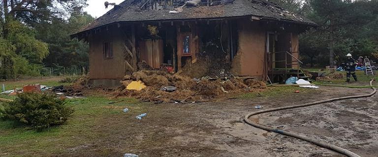 Pożar rodzinnego domu dziecka pod Mszczonowem. Budynek doszczętnie spłonął