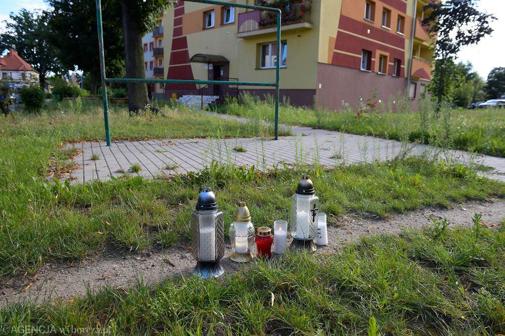 Znicze w Lubinie ku pamięci Bartosz S.