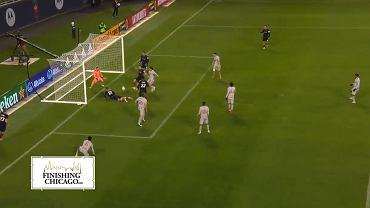 Przemysław Frankowski strzela gola w meczu MLS