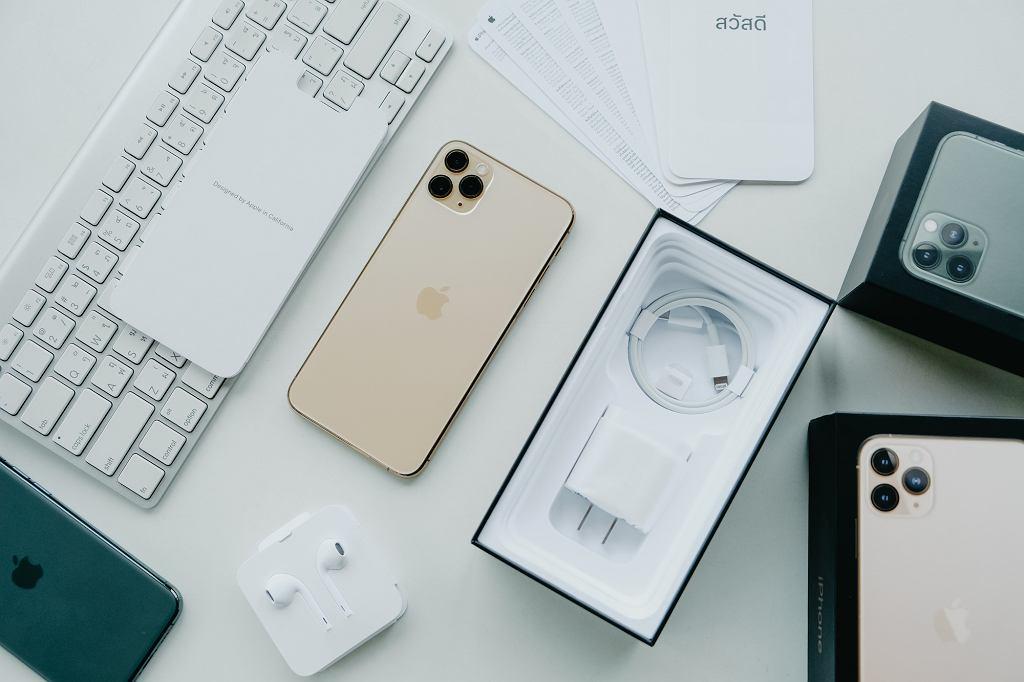 Smartfony z najlepszym aparatem 2020 roku: iPhon 11 Pro i iPhon 11 Pro Max.