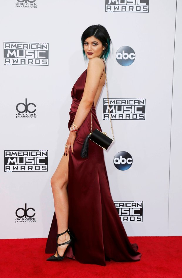 EKylie Jenner arrives at the 42nd American Music Awards in Los Angeles