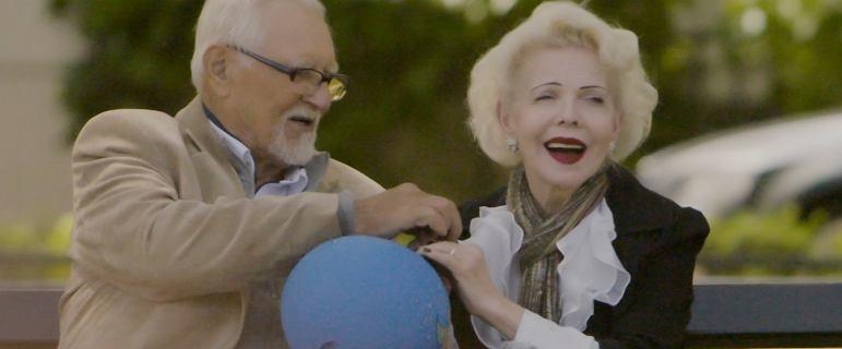"""Po 45 latach porzuciła męża alkoholika i odnalazła miłość. """"Odkryłam, że można żyć lepiej"""""""