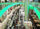 Centra handlowe mają kłopoty. Cierpią przez zakaz handlu w niedziele, a PiS dociska je dodatkowym podatkiem