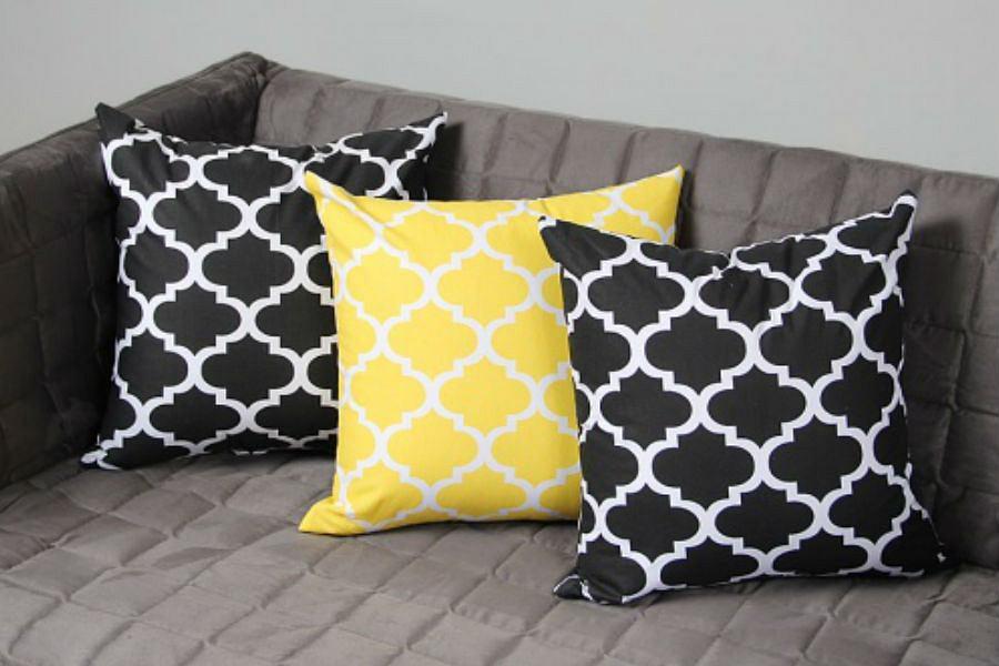 Kolorowe poszewki na poduszki, które ożywią wnętrza! [wybór redakcji]