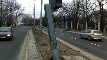 Fotoradar na ul. Spacerowej został zniszczony przez auto jeszcze przed uruchomieniem