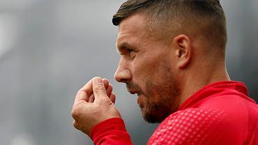 Lukas Podolski zaskakuje nawet kolegów z zespołu. Problemy mistrza świata w Polsce