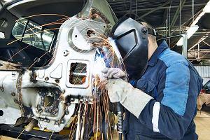 Polski przemysł lekko hamuje. GUS podał dane o produkcji przemysłowej za lipiec
