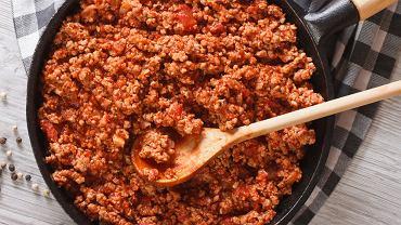 Sos bolognese lub po prostu sos boloński, to sztandarowy włoski dodatek do dań.