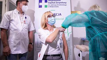 Rozpoczęły się szczepienia pracowników szpitala wojewódzkiego w Białymstoku przeciwko COVID-19