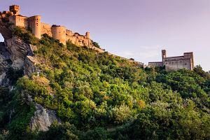 Możesz wynająć średniowieczny zamek we Włoszech. Cena niewiele różni się od tej w hotelach