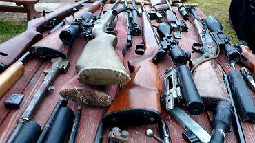 CBŚP zatrzymało 28 osób w związku z nielegalnym handlem bronią