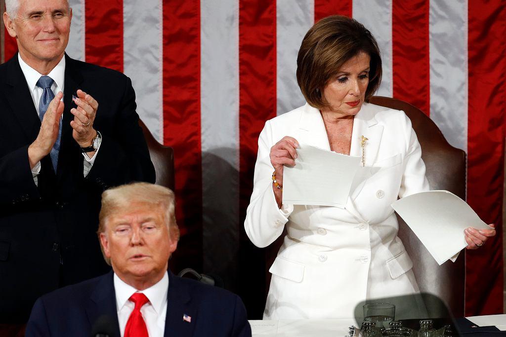 Nancy Pelosi podarła dokument z przemówieniem Donalda Trumpa