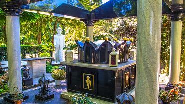 Romski grobowiec na cmentarzu w Bonn w Niemczech.