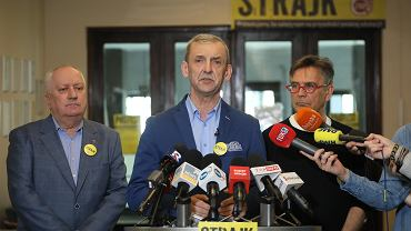 W centrum: Sławomir Broniarz, szef ZNP