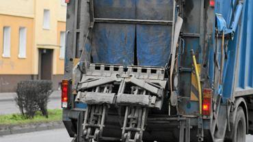 Tragedia w Stojkowie. Kierowca śmieciarki usłyszał zarzuty