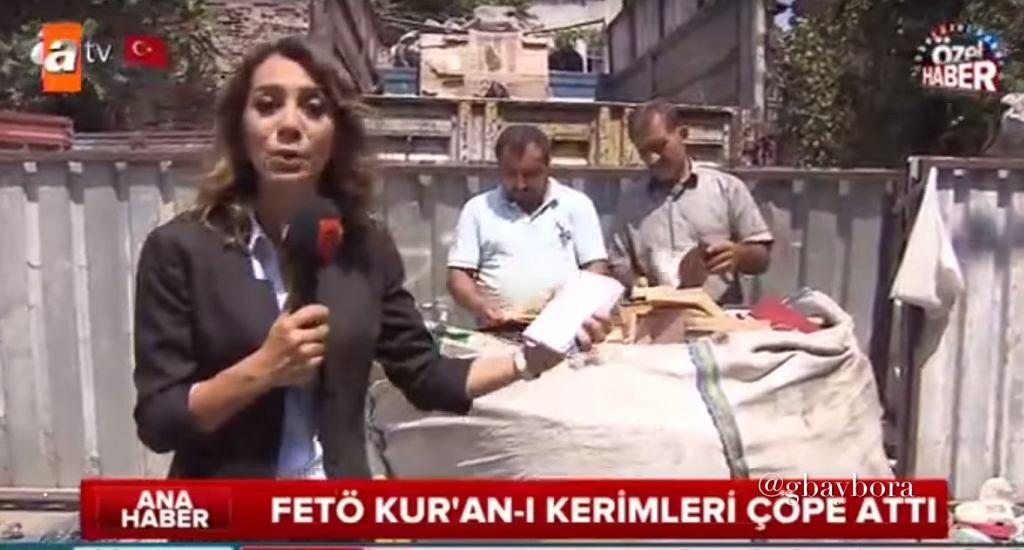 Turecka dziennikarka pokazuje