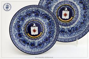 """Niezwykły projekt dla CIA. Firma z Bolesławca wyprodukowała specjalną ceramiczną zastawę dla """"tajnych agentów"""""""