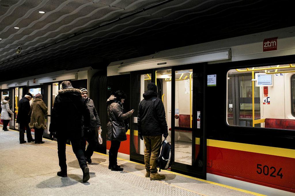 Warszawa, stacja I linii metra Młociny