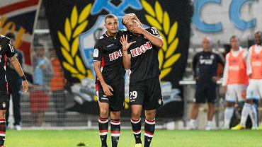Layvin Kurzawa (z lewej) i Emmanuel Riviere