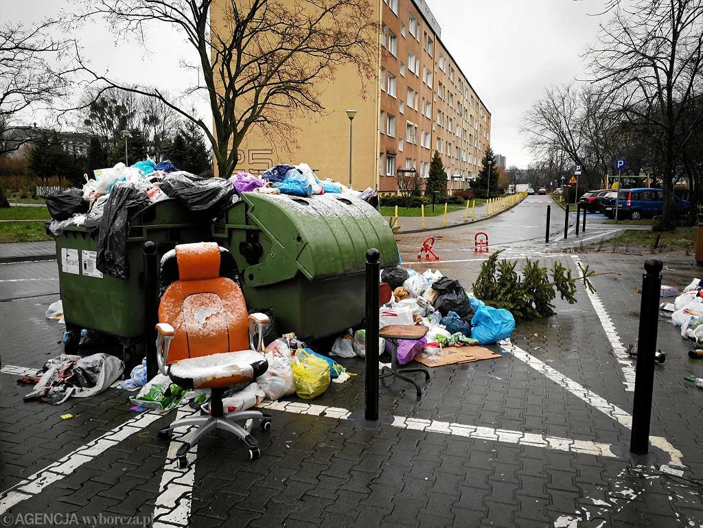 Śmietnik na os. Zwycięstwa w Poznaniu
