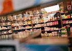 """W aptekach brakuje leków. """"Musimy wydzielać leki pacjentom"""". Producentom bardziej opłaca się sprzedawać je za granicę?"""