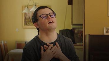 Mocny spot niepełnosprawnych artystów