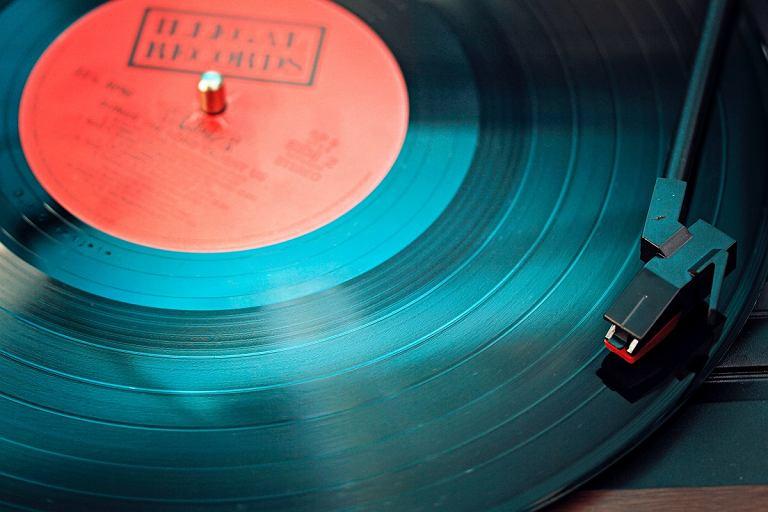 Jaki gramofon wybrać? Porady dla kupujących i kilka naszych typów na każdą kieszeń