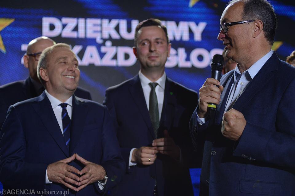 26.05.2019, Warszawa, wieczór wyborczy Koalicji Obywatelskiej, na zdjęciu od lewej: Grzegorz Schetyna, Władysław Kosiniak-Kamysz i Włodzimierz Czarzasty