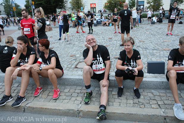 Zdjęcie numer 7 w galerii - Rekord frekwencji na Biegu Powstania Warszawskiego. Prawie 11,5 tysięcy biegaczy przebiegło ulicami Warszawy [ZDJĘCIA]
