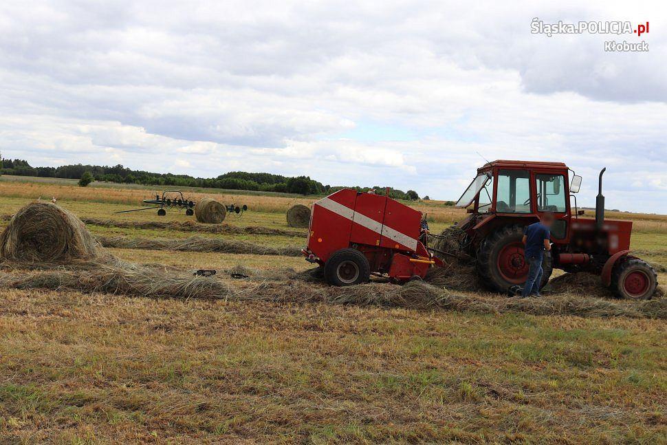 Śląsk. Maszyna rolnicza urwała mężczyźnie rękę. Zdołał ją wyjąć i wezwać pomoc